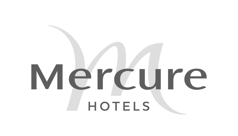iPad Zauberer zaubert auf der Weihnachtsfeier des Mercure Hotels
